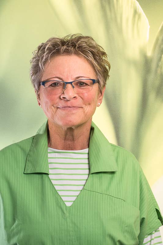 Frau Birgit Schroden