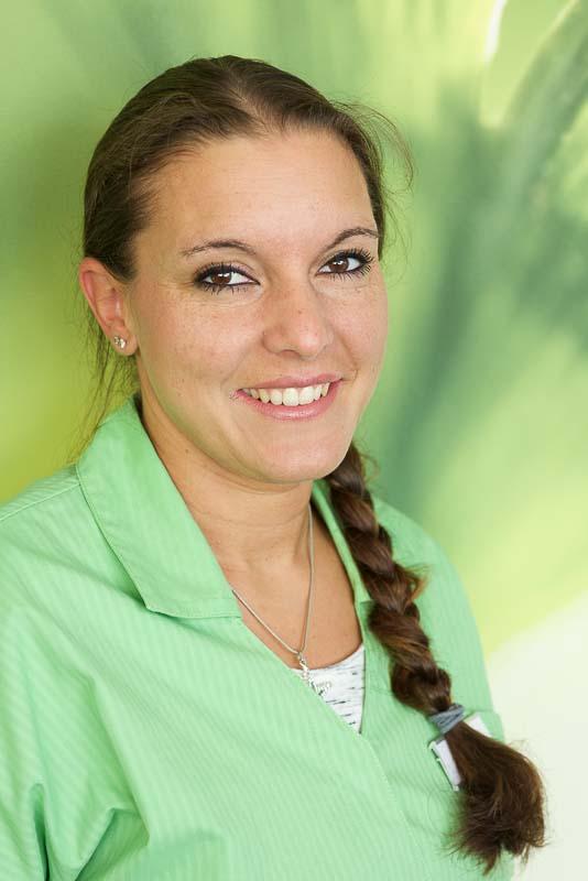 Frau Melinda Schmitz