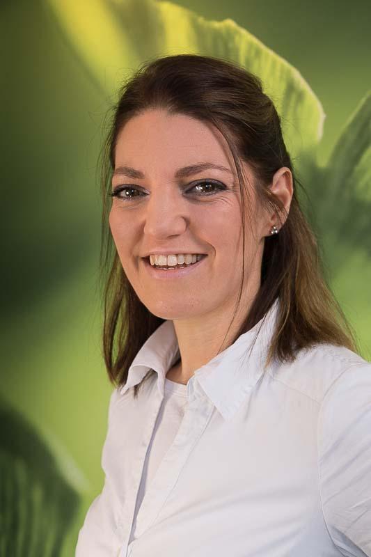 Frau Alexandra Ehlerding